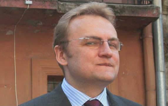"""Садовий пропонує провести нову операцію """"Вісла"""" і відмовитися від українських територій."""