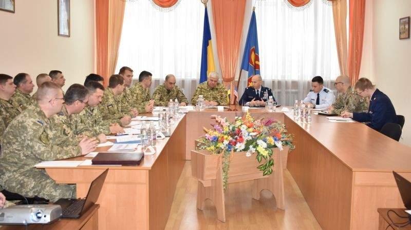 У Вінниці обговорили перспективні напрямки співробітництва між Повітряними Силами ЗС України та США