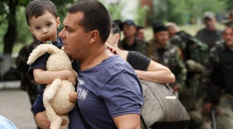 Взято на облік 1 586 439 переселенці або 1 275 798 сімей  з Донбасу і Криму