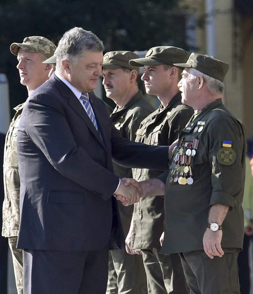 Президент взяв участь у церемонії урочистого підняття Державного Прапора України (фото)