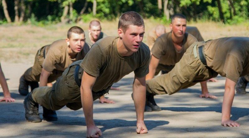 Новоспечені курсанти Академії НГУ посилено готуються до польового виходу