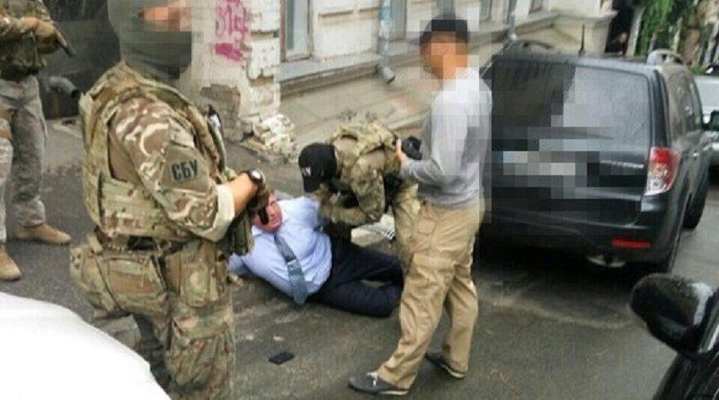 СБУ, ГПУ і НПУ провели спільну операцію по викриттю хабарника в погонах - начальника Департаменту поліції охорони НПУ (фото, відео)