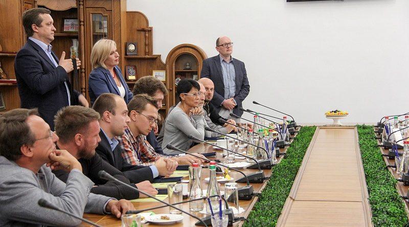 Степан Полторак вручив волонтерам відзнаки Президента України (фото)