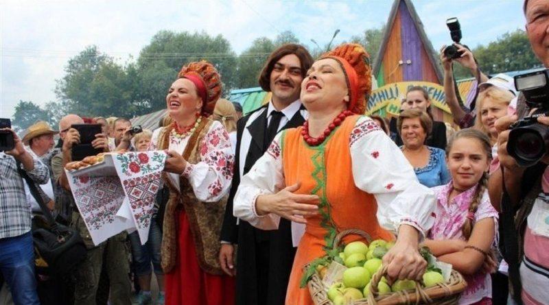 Укравтодор підготував основні шляхи, які ведуть до Сорочинського ярмарку