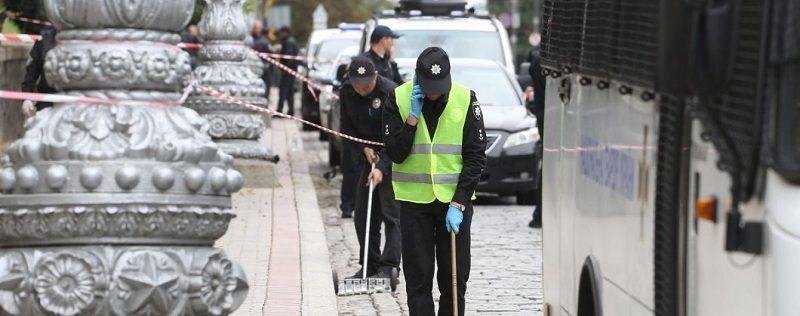 Київська поліція просить відгукнутися свідків вибуху на вулиці Грушевського 24.08.2017 р.