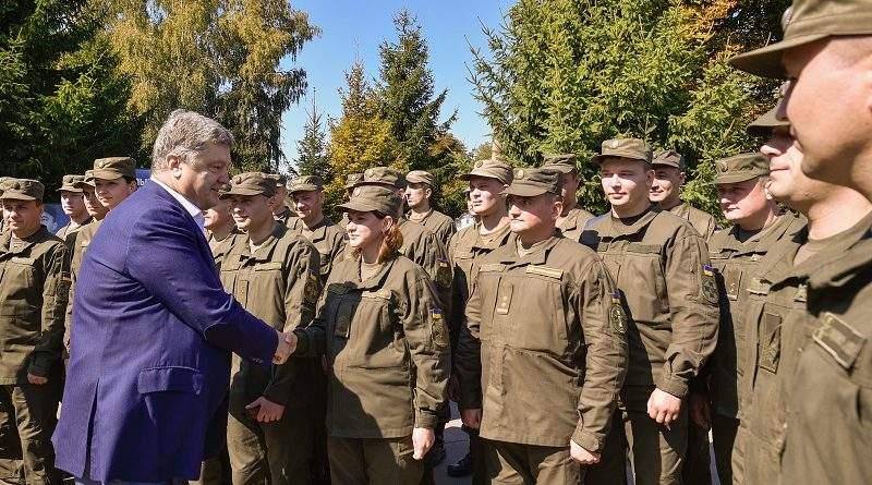 Петро Порошенко відвідав одну з військових частин Національної гвардії України на Вінничині (фото)
