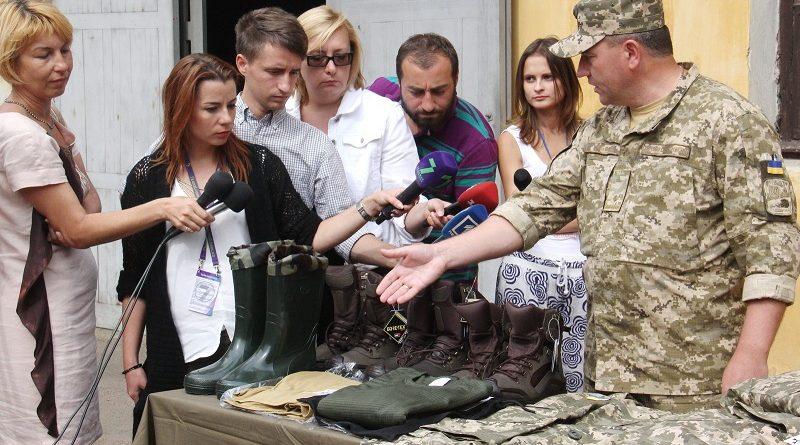 Одеський Об'єднаний центр Тилу ЗСУ відправив в район АТО чергову партію зимньої форми одягу (фото)