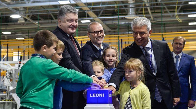 Президент взяв участь у відкритті нового виробництва концерну «LEONI» (фото, відео)