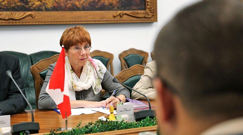 Степан Полторак зустрівся зі стратегічним радником високого рівня від Канади пані Джил Сінклер (фото)