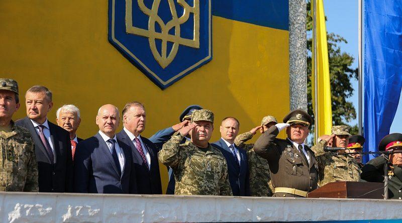 Степан Полторак привітав колектив  Харківського інститута танкових військ з Днем танкіста (фото)