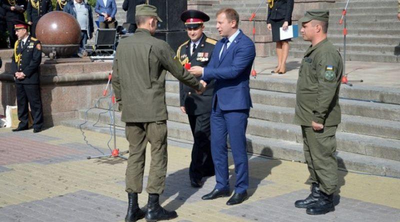 Тернопільського нацгвардійця нагороджено нагрудним знаком «За заслуги»