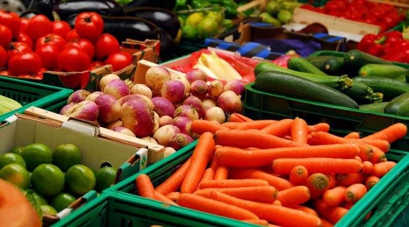 Споживчі ціни у вересні в цілому зросли на 2%, подешевшали риба, фрукти, овочі й цукор
