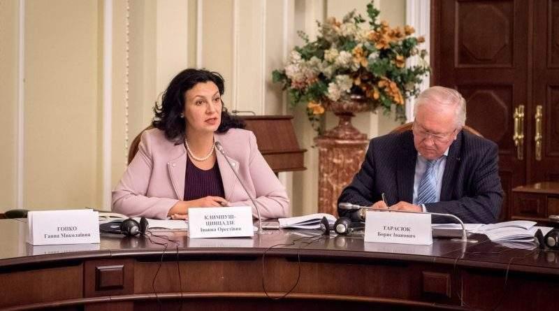 Кількість безпосередньо відповідальних за співпрацю з НАТО держслужбовців має бути збільшена у десятки разів