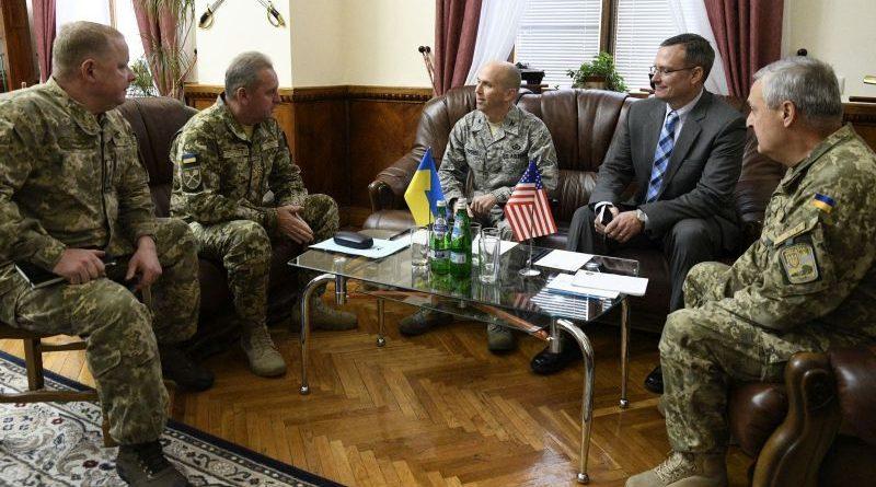 Віктор Муженко провів зустріч з Аташе з питань оборони при Посольстві США в Україні