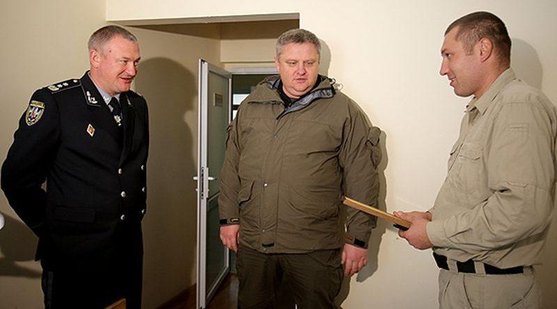 Сергій Князєв та Андрій Крищенко провідали правоохоронців, які постраждали під стінами ВР України (фото, відео)