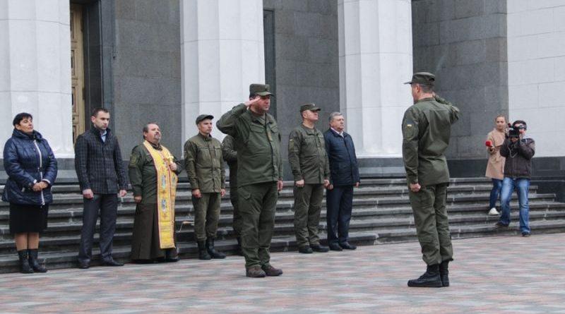 Нацгвардійці вперше склали присягу біля будівлі Верховної ради (фото, відео)