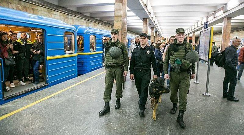 Поліція Києва та області переходить на посилений варіант несення служби