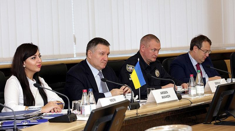 Правоохоронці готові відкрити для польської сторони бази даних кримінальних елементів (фото)