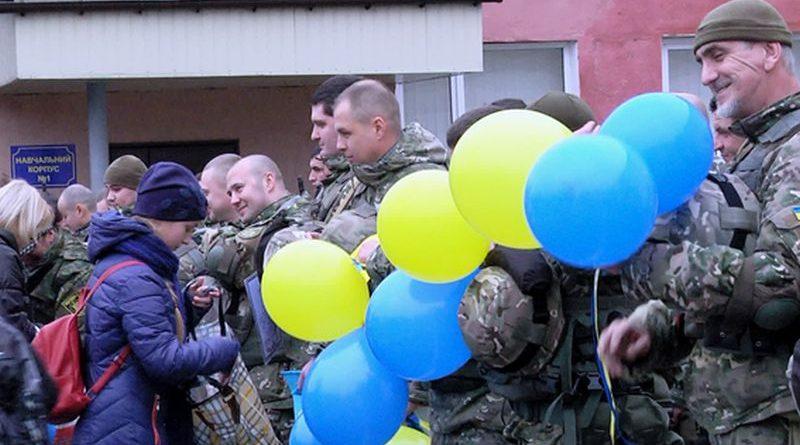 Одеські правоохоронці вирушили на схід країни (фото, відео)