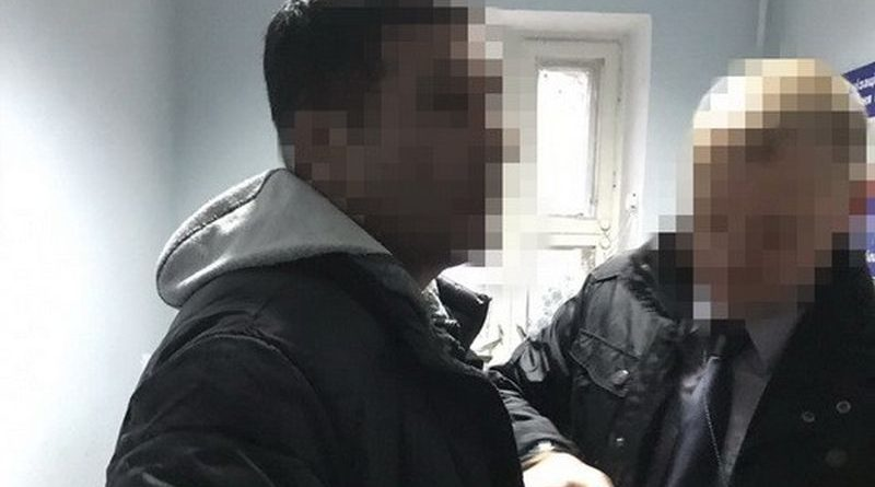 Двох громадян Франції, затриманих СБУ, передано французькій стороні (фото)