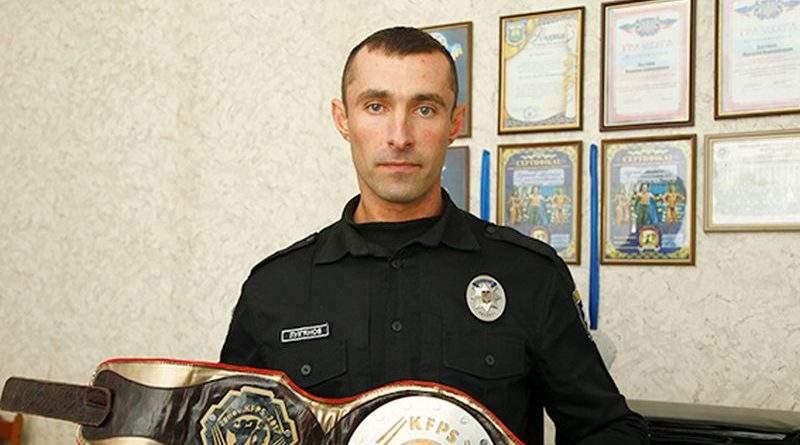 «Більшість людей можна переконати словом, а не силою» - поліцейський, чемпіон з бодібілдингу М. Лук'янов (фото)