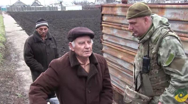 Травневе і Гладосове: місцеві жителі знову руйнують брехню російських пропагандистів (відео)