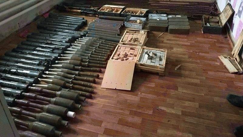 На Луганщині правоохоронці вилучили арсенал зброї та боєприпасів