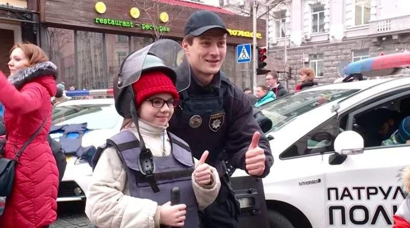 У Києві поліція влаштувала різдвяне свято для дітей (фото, відео)