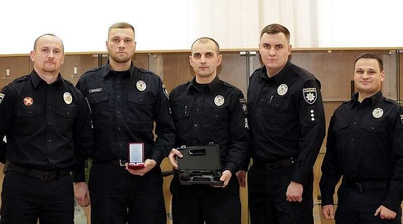 В МВС нагородили одеських патрульних поліцейських, які ліквідували сумнозвісного «стрілка» (фото)