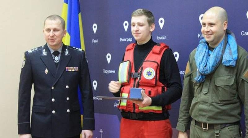 В Одесі відзначили громадян, які допомагали пораненим під час стрілянини на вул. Новосельського (фото, відео)