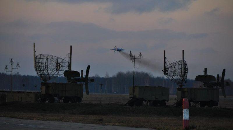 Командирські польоти. Українські бойові літаки показали вищий пілотаж (фото)