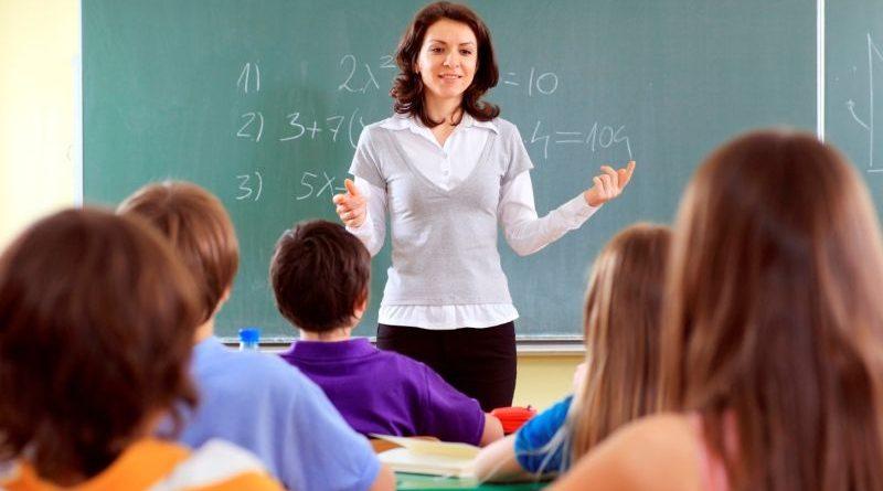 Вже цього місяця вчителі отримають більшу на 25% зарплату