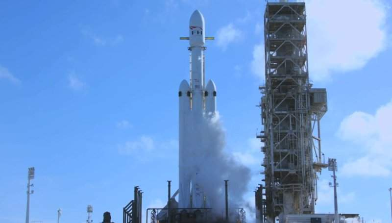 Трансляція першого запуску Falcon Heavy