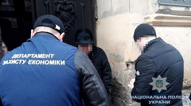 У Львові у системному хабарництві поліція викрила посадовців служби ветсанконтролю на Західному кордоні (фото)
