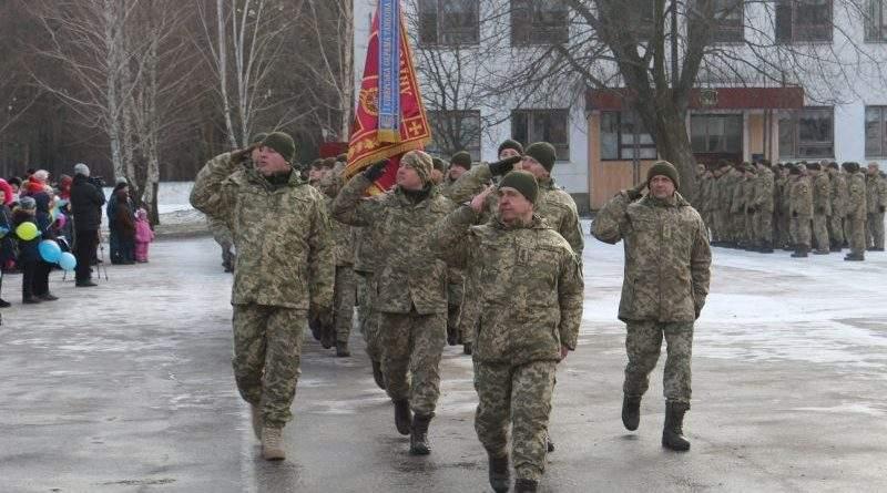 Чернігівщина урочисто зустріла військовослужбовців окремої танкової бригади, які повернулися з району АТО (фото)