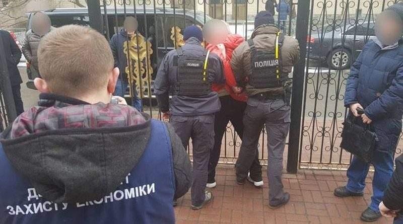 """Директора """"Еліта-центр"""" та його спільника заарештовано на 2 місяці"""