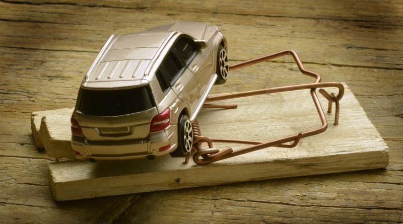 Як убезпечити себе від підроблених документів та шахраїв при купівлі авто (інфографіка)