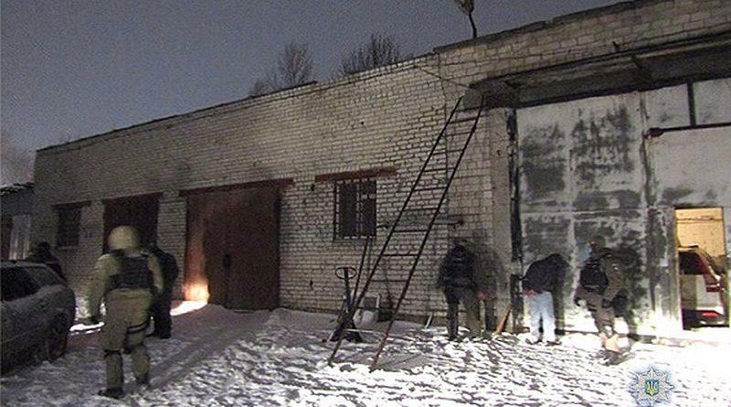 У Києві оперативники викрили злочинну групу, яка займалася розбоями та викраденням елітних авто (фото)