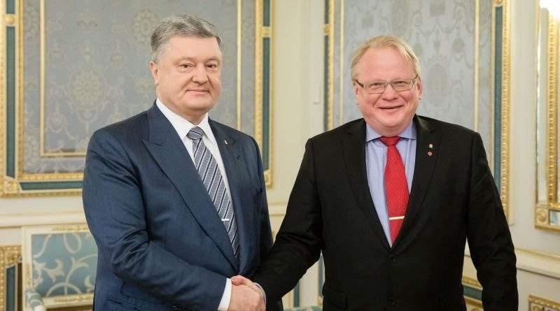 Президент України провів зустріч з Міністром оборони Швеції (фото)