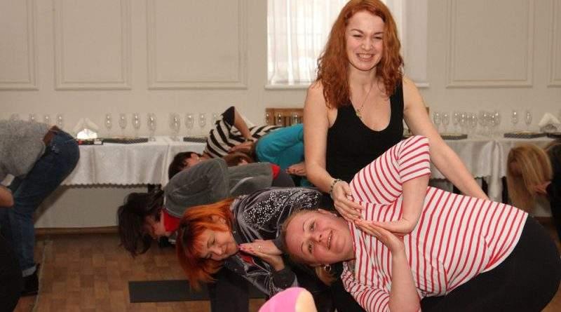 Заняття з йоги замість традиційного концерту: в ДСНС декомунізували 8 березня (фото)
