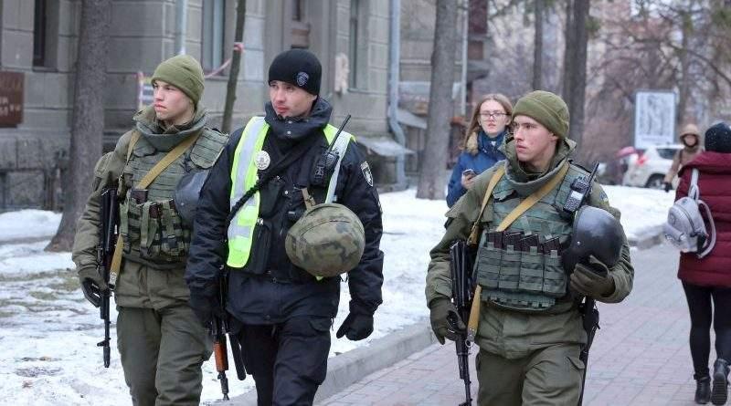 Правопорядок у столиці забезпечуватимуть посилені наряди поліцейських і гвардійців (фото, відео)