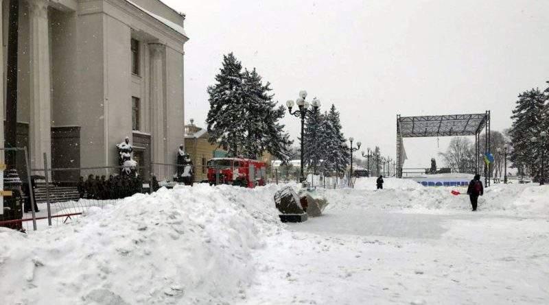 Поліція Києва під Верховною Радою забезпечує громадський порядок (фото)