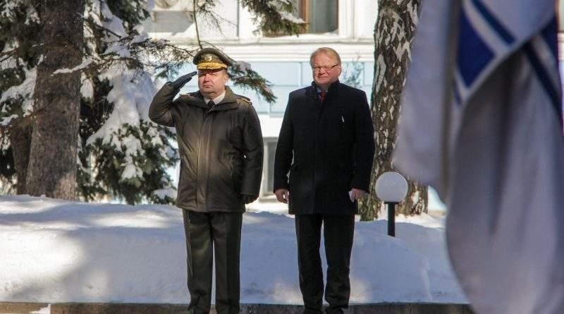 До Міністерства оборони України з офіційним візитом прибув Міністр оборони Швеції Петер Хультквіст (фото)