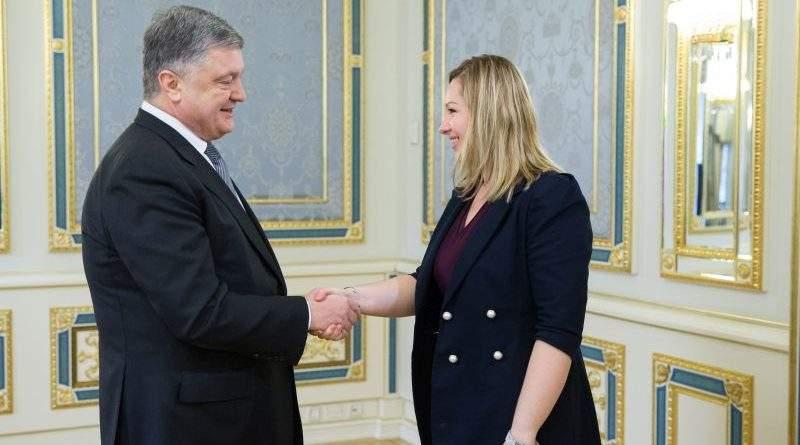 Президент України провів зустріч з французькими парламентарями (фото)
