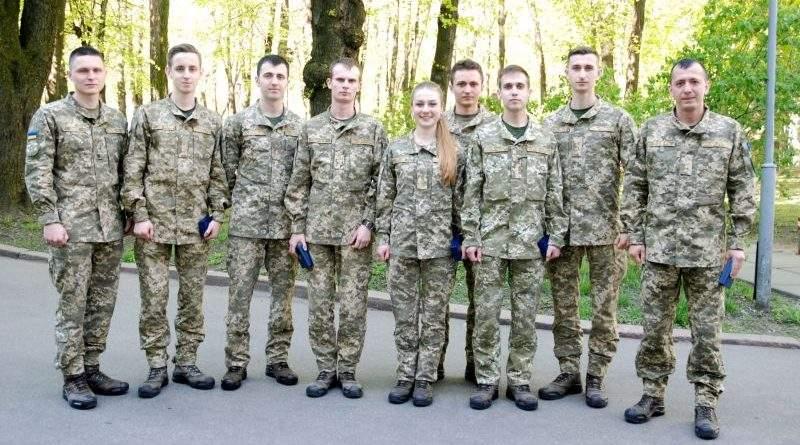 Віктор Муженко нагородив переможців змагань НАТО з програмування «TIDE Hackathon 2018»