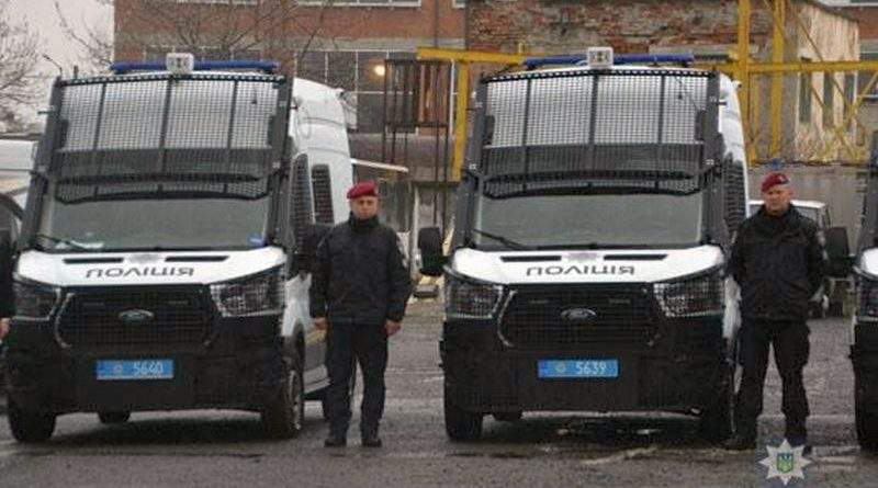 Поліцейські Львівщини отримали нові службові автомобілі (фото, відео)