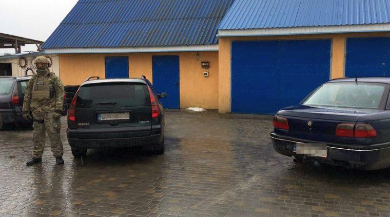 Держприкордонслужбою викрито схему незаконного ввезення в Україну автомобілів іноземної реєстрації (фото)