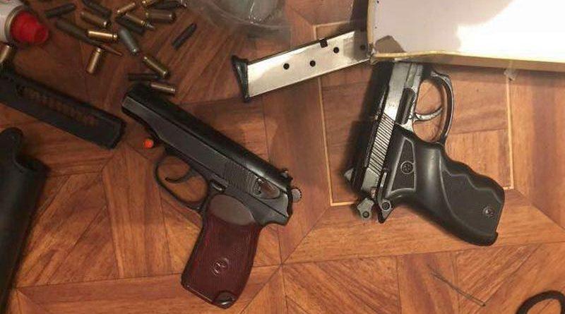 В Одесі правоохоронці вилучили велику кількість зброї та боєприпасів (фото)