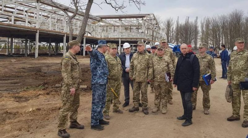 Степан Полторак розпочав робочу поїздку до підрозділів ЗСУ, які дислокуються на півдні України (фото, відео)