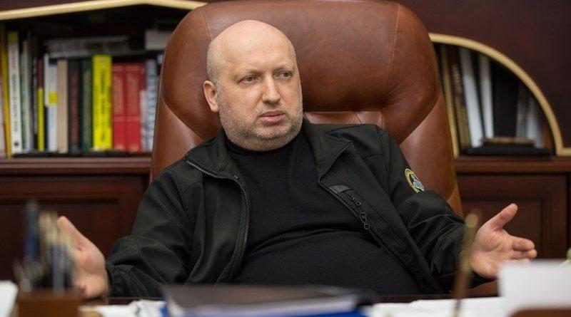 «Багато хто мені говорив у кулуарах: «Який воєнний стан? Диктатура Турчинова forever?» – Турчинов (інтерв'ю)